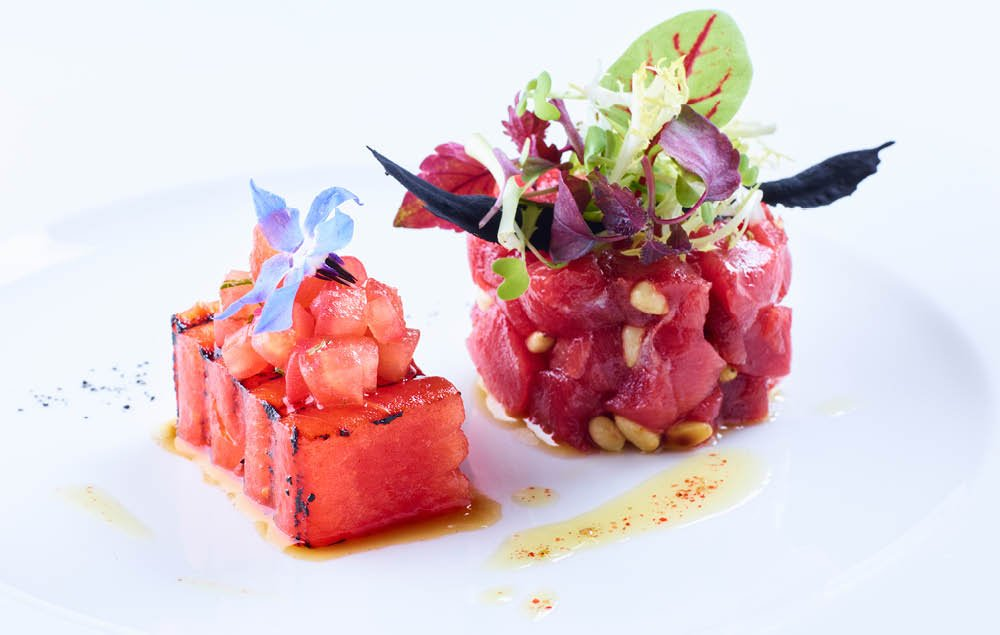 Thunfisch Tartar, gegrillte Wassermelone