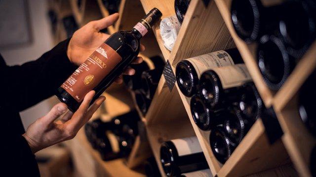Wein-Sommelier